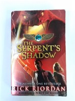 The Serpent's Shadow (The Kane Chronicles Book 3) Paperback