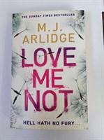 Love Me Not: DI Helen Grace 7 (Detective Inspector Helen Grace) Paperback
